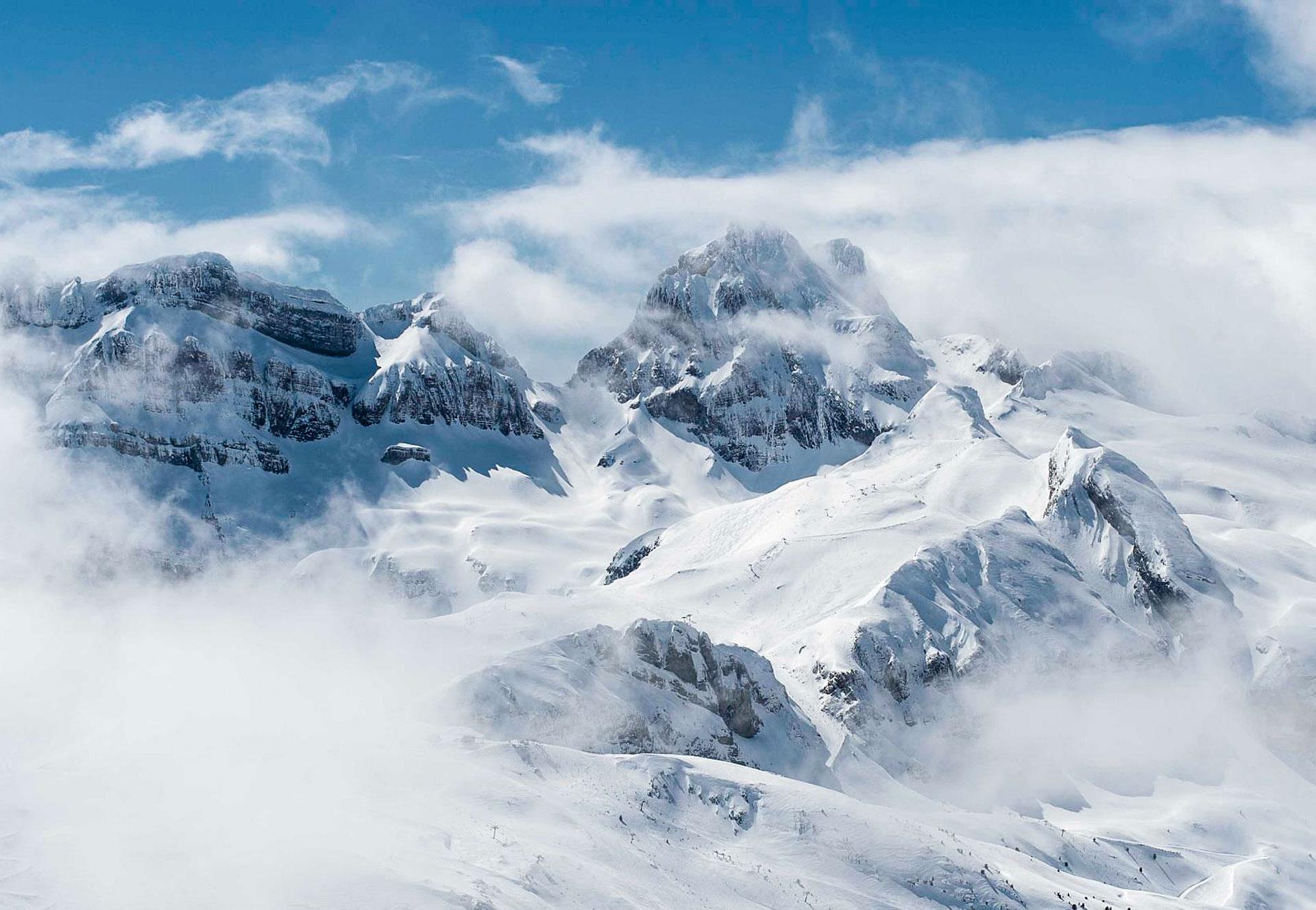 Candanchú Estación de esquí en Pirineos